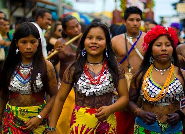 Bella india del amazonas folla con cazadores doble penetracion - 1 9
