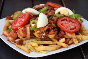Pique macho es una de las comidas Bolivianas