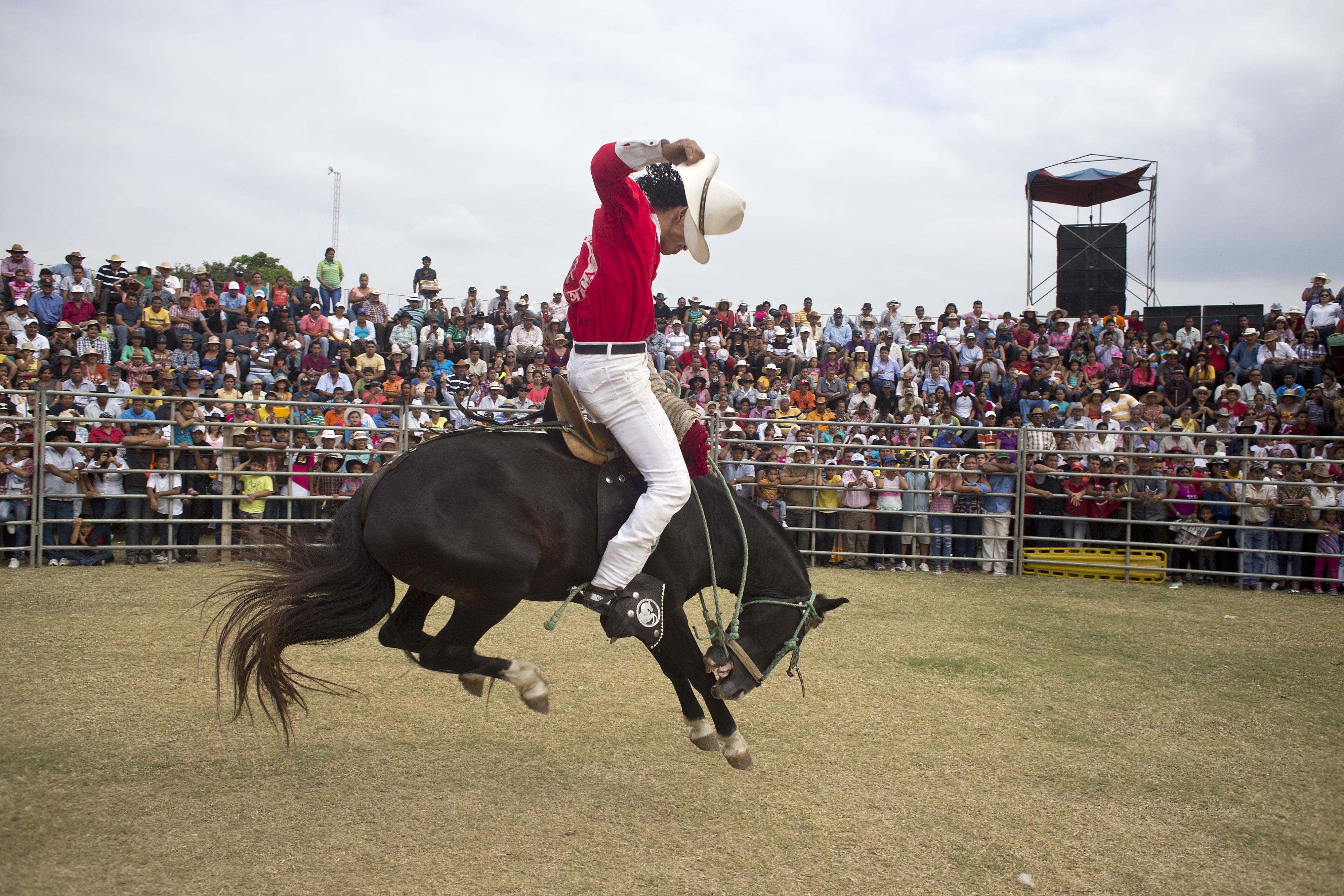 Tradiciones Del Ecuador Juegos Fiestas Costumbres Y Mas