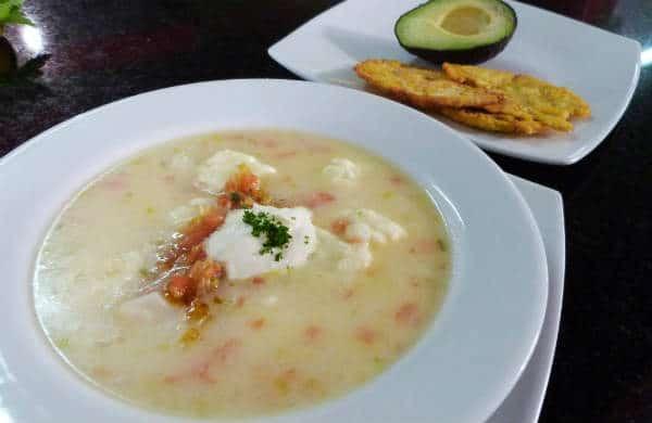 comida tipica de Colombia el mote de queso
