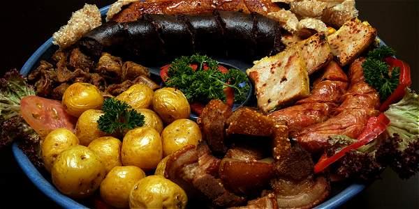 comida tipica de Colombia la fritanga