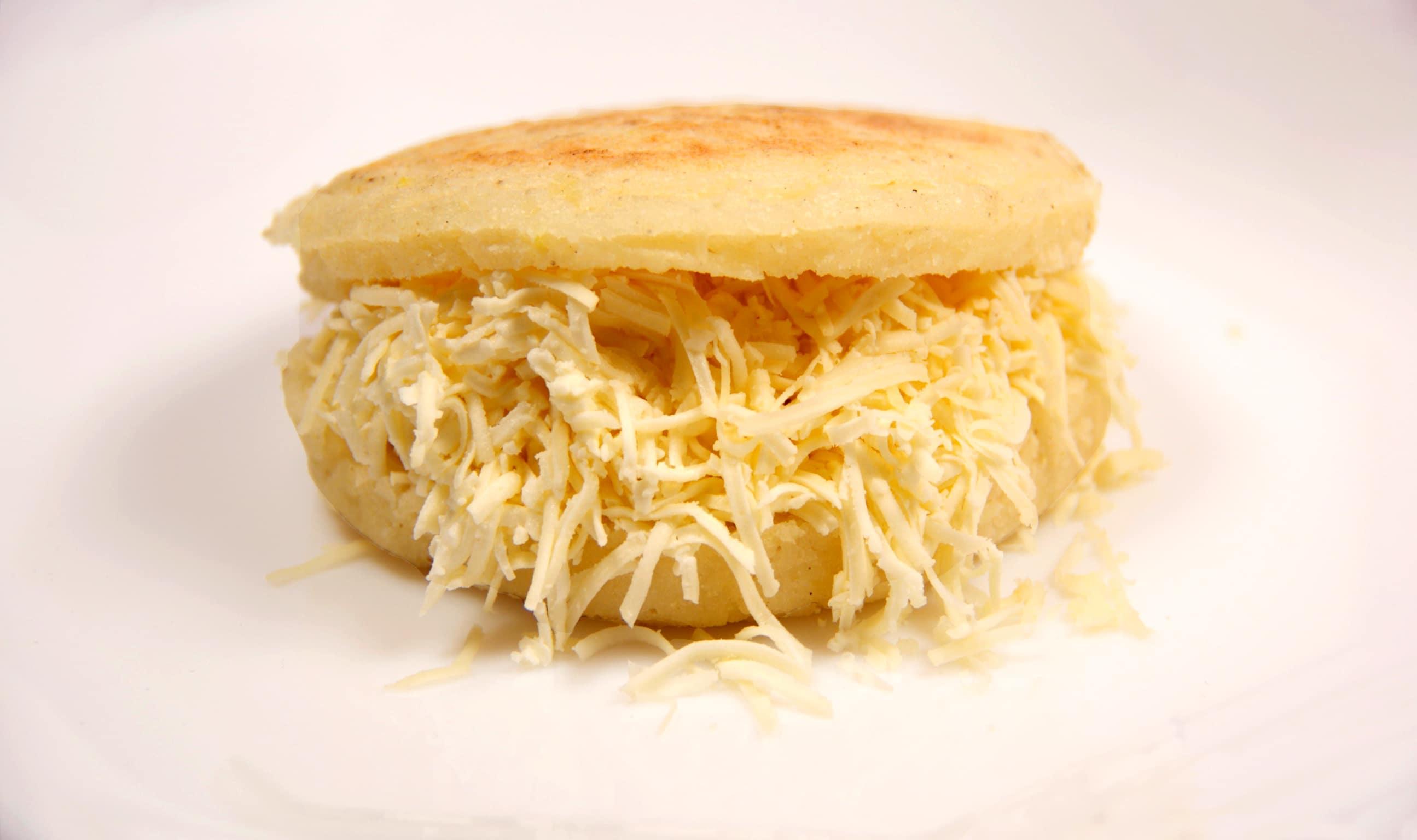 como-hacer-arepas-de-queso-6