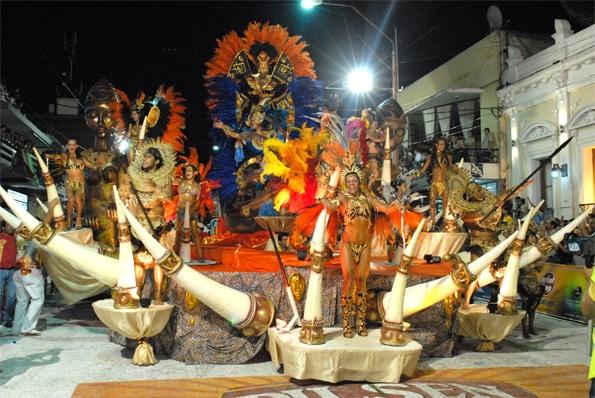 Carnaval uruguayo - Carnaval en Artigas