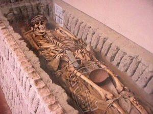 La Cultura chavin y sus costumbres funerarias