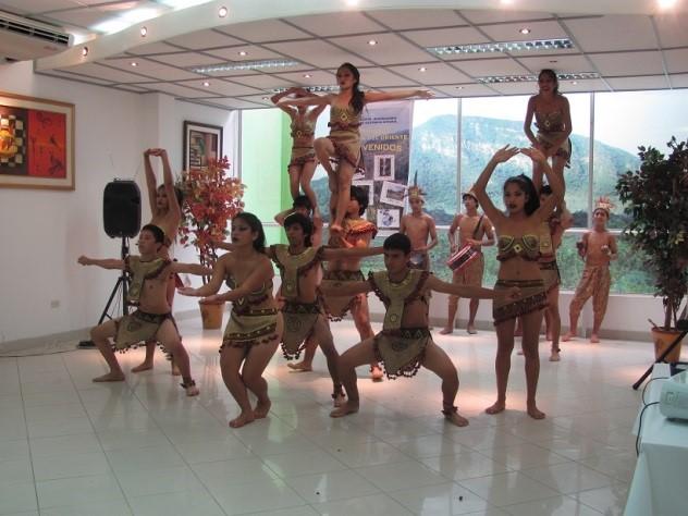 representaciones de las danzas de la selva
