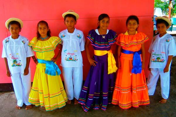 traje-tipico-de-nicaragua-1