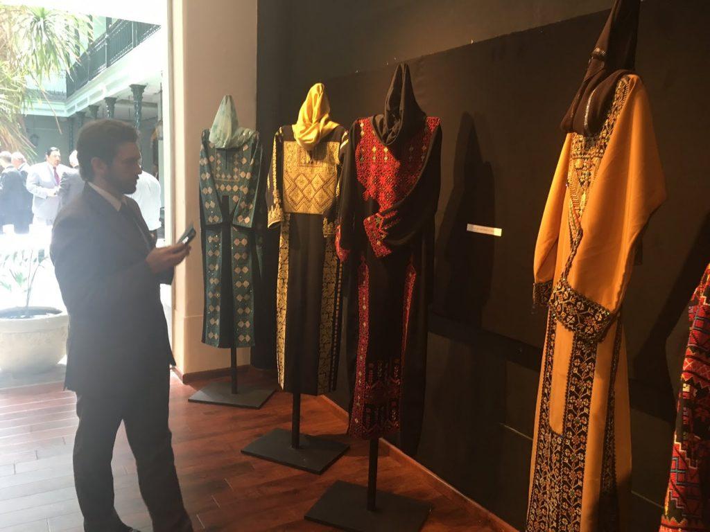 vestimenta de la cultura palestina