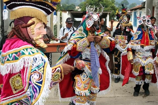 las danzas de Guatemala y el vestuario