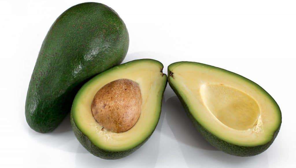 frutas con semillas en el exterior