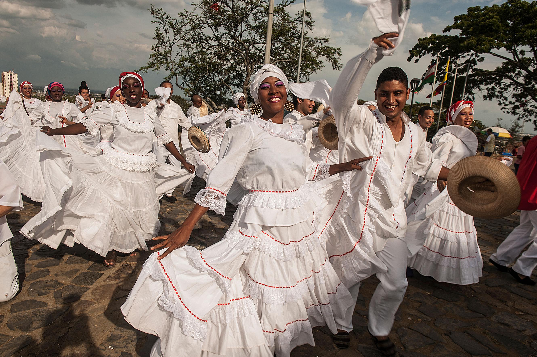 e2f099d1a Falda De Cumbia Colombiana | Wig Elegance